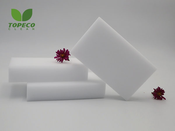 white magic cleaning sponge